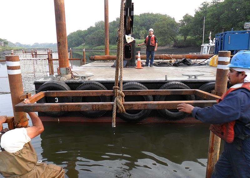 NYC-Pilot-Project-Mussels_attaching_structure_support_frames